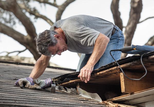 Emergency roof repair - Baltimore MD roof leak repair